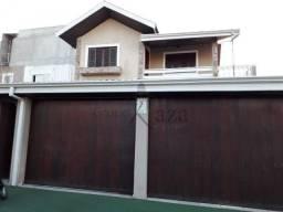 AC Casa Padrão com piscina 4 Dorm Jardim das Industrias
