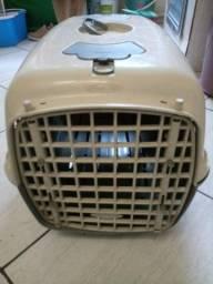 Vendo ou Troco Casinha de Transporte de Cachorros ou Gatos.