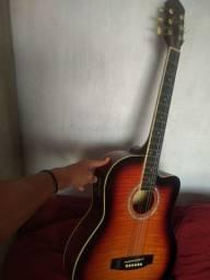 V/T violão Madri acústico com saída para caixa.