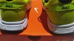 Par de tênis Nike original de fabrica novo