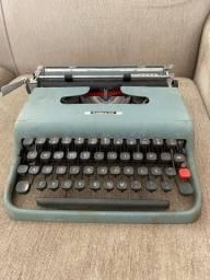 Máquina de escrever Lettera