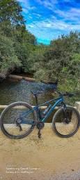 Bicicleta Aro 29 com algumas peças shimano,  21v quadro South Legend 17