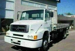 Caminhão Mercedes Benz carroceria