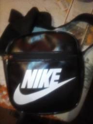 Bolsa Nike, Juliet Oakley