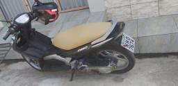 Vendo uma Moto Neo Yamaha em prefeitas condições