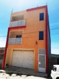 Prédio Comercial e Apartamentos