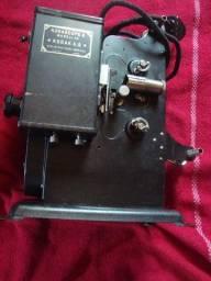 Projetor Antigo Kodakscope 8 Modell 40 Kodak A.G. Com Maleta (Funcionando)