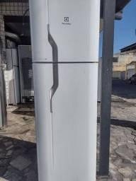 Geladeira Electrolux Frost Free 360 L