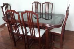 Mesa de Janta com 6 cadeiras - Madeira Maciça