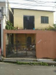 //Casa na Vila da Prata - 5 Qrts - garagem