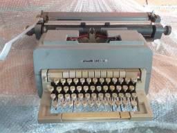 Máquina de escrever Olivetto Linea 98
