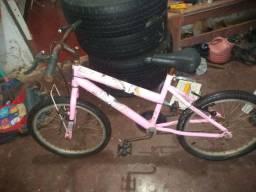 Venda-se bicicleta rosa 60$