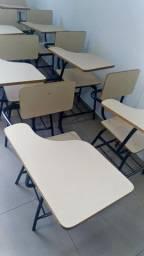 Cadeira universitária usada em Sete Lagoas