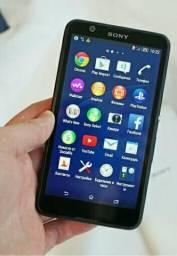 Vendo um celular da Sony xperia E4