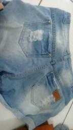 Shorts seminovo