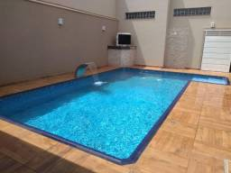 Casa com 3 suítes e piscina no condomínio Verona em Brodowski-SP