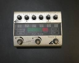 Pedal Triton Delay e Reverb MIDI/Preset/TAP Tempo