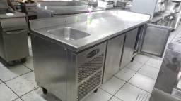 Balcão refrigerado macon com 3 portas e Uma pia