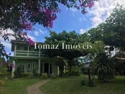 Linda casa com quatro dormitórios a beira da lagoa em Imbituba - SC