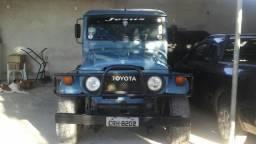 Toyota bandeirante longa - 1981