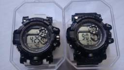 Vendo 2 relógios g-shock novos. A prova dágua. Entrego