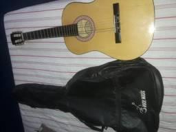 Vendo esses dois violões por 300 reais