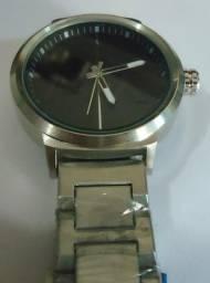 e5d87dcd91a Relógio Armanni Preto   Branco Boss Scuba Pulseira Série Prata
