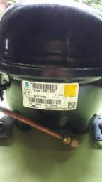Motor de geladeira semi novo