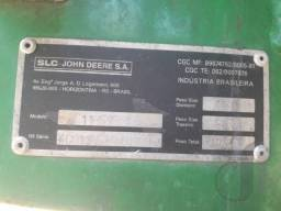 Colheitadeira de Grãos Marca John Deere Mod VB 1185 ANO 2