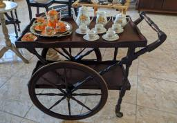 #RELIQUIAS<br>Lindo carrinho de bebidas ou chá em perfeito estado OBS:sem as louças <br>