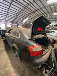 Sucata para retirada de peças- Audi A4 2004.