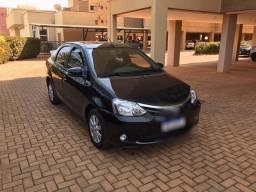Etios sedan XLS 1.5 automático top de linha