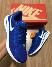 Tênis Nike Azul e branco