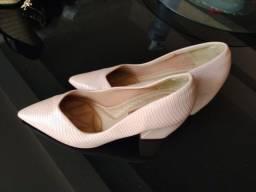 Título do anúncio: Sapato 35
