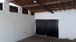 Apartamento com 02 quartos, sala, cozinha, wc social, quintal, 01 vaga, 60m². Valor do alu