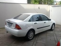 Focus Sedan 2003 Zetec 2.0 16v