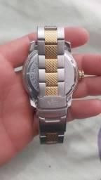 Vendo relógio VIP 250 $ não aceito trocas pois preciso muito do valor em dinheiro