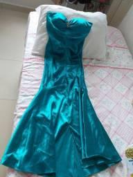 Vende-se vestido verde