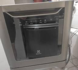 Lava-Louças Electrolux 8 Serviços (LE08S)