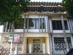 Aluga - se casa comercial na Av. Procópio Rola - Centro