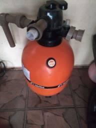 Bomba e filtro de piscina.