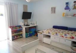 COD. 050 - Casa ampla em Itapuã, 2 quartos e 2 banheiros.
