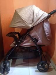Vendo carrinho de bebê usado