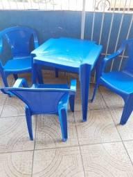 Jogo de mesa e cadeira