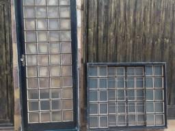 Porta e janela com vidros