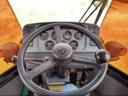Carregadeira SEM 616 B