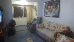 Apartamento com 3 quartos no bairro Varjota