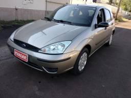 FORD FOCUS 2004/2004 1.6 8V GASOLINA 4P MANUAL - 2004