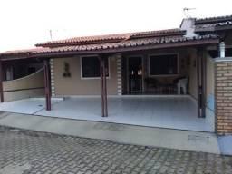 Casa Plana toda projetada, em condomínio fechado no Passaré próx. ao BNB