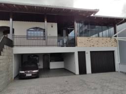 Alugo Excelente Casa semi-mobiliada no bairro Velha